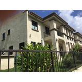 Venta Amplia Casa En Embassy Club Clayton Panama