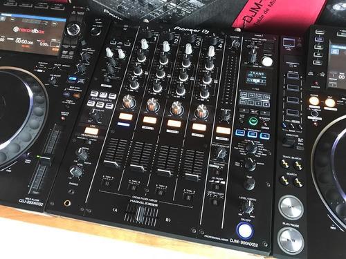2x Pioneer Cdj 2000 Nxs2 + Djm 900 Nxs2